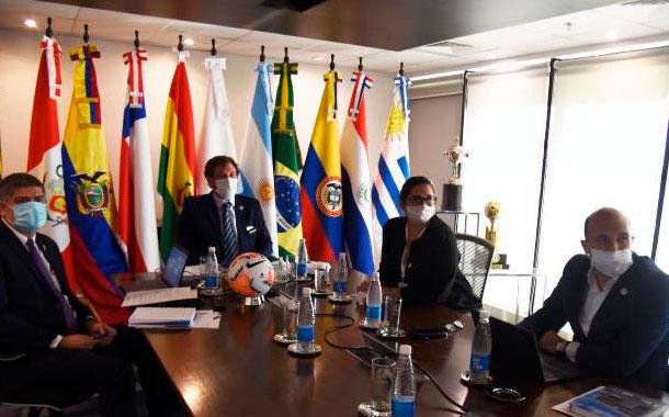 Conmebol aprobó protocolo médico para una reactivación segura del fútbol