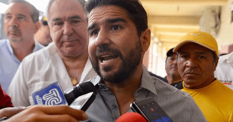 Dalo Bucaram y su familia llevarían casi cuatro meses en Estados Unidos