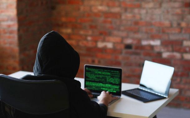 La Policía alerta a la ciudadanía de estafas a través de redes sociales