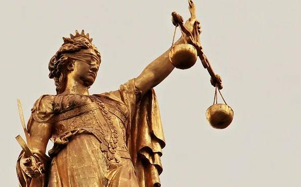 Fiscalía formulará cargos en contra de Manzur por enriquecimiento ilícito