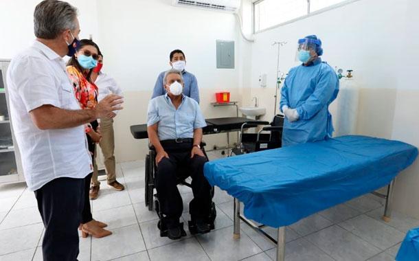 Lenín Moreno inauguró centro médico en Santa Elena