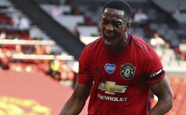 Manchester United derrota a Sheffield United con triplete de Martial