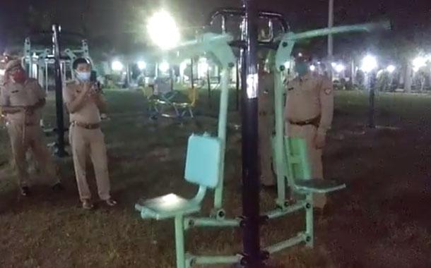 Una máquina de ejercicios que se mueve sola llamó la atención de la Policía