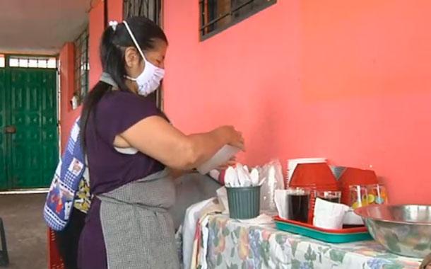 Una mujer brinda ayuda a 50 personas en situación de vulnerabilidad