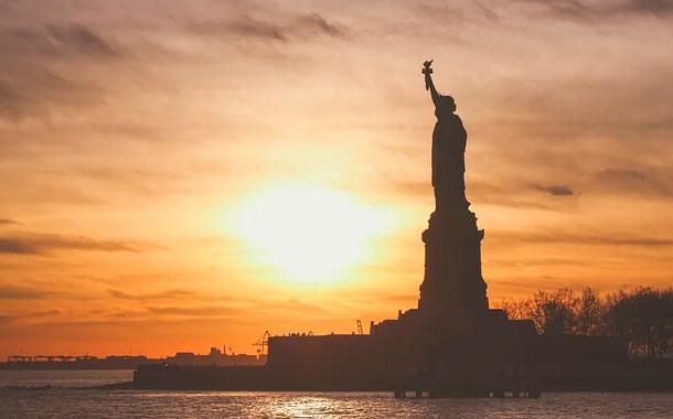 Nueva York empieza a despertar tras cien días de pandemia