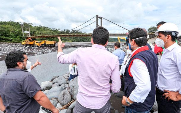 Autoridades nacionales constataron los trabajos en el puente del Río Upano