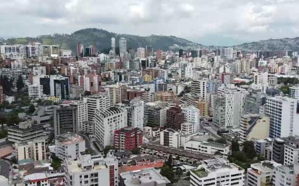 Desde este miércoles varios locales comerciales en Quito abrirán nuevamente sus puertas