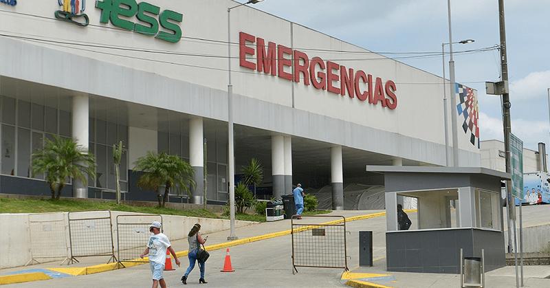 Red que operó en hospitales del IESS también obtuvo carnés de discapacidad