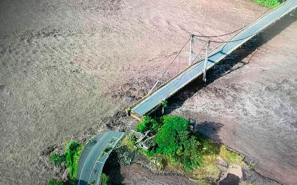 Desbordamiento del río Upano provocó colapso en la vía Macas- Puyo