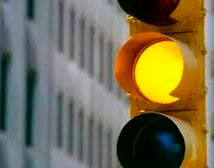Tulcán pasa a semáforo amarillo