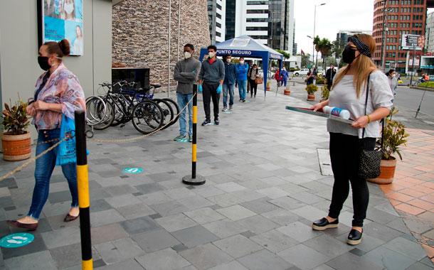 Algunos sectores de Quito lucen llenos pese al semáforo amarillo