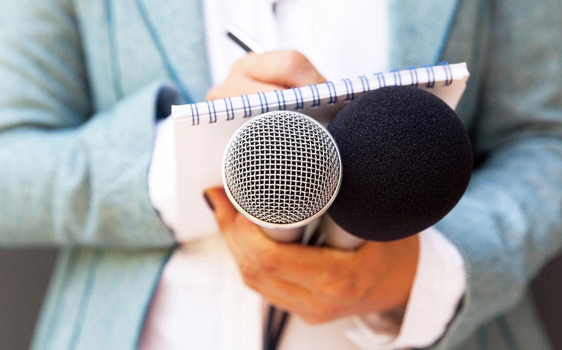 Una televidente alerta de bulto a presentadora de noticias que resultó cáncer