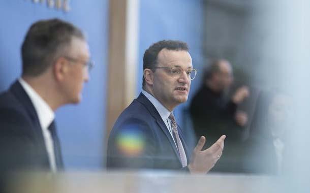 Europa en alerta ante posible rebrote por temporada vacacional