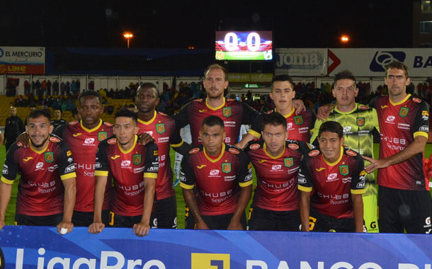Deportivo Cuenca reflota y busca la salvación económica