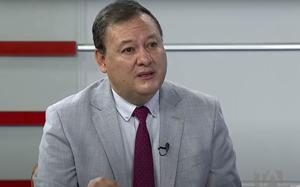 Juan Zapata analiza casos de aglomeración de personas en Quito
