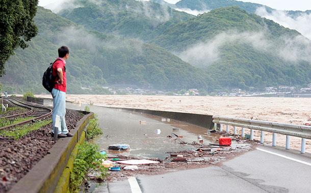 75 000 personas evacuadas por fuertes lluvias en Japón