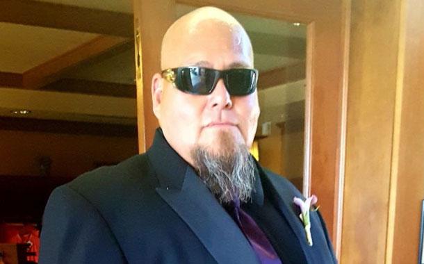 Hombre que fue a una fiesta contrajo COVID-19 y murió días después