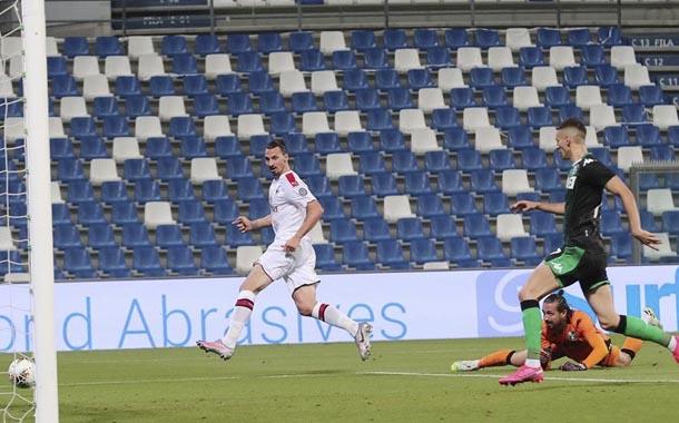 Milan gana con doblete de Zlatan Ibrahimovic