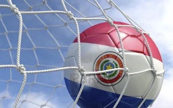 Paraguay posterga reanudación del fútbol por COVID-19 en tres clubes