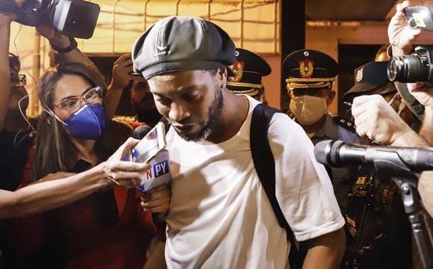 Ronaldinho cumple cinco meses de detención