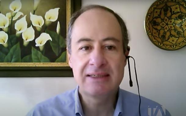 Vicente Albornoz analiza la renegociación de deuda externa