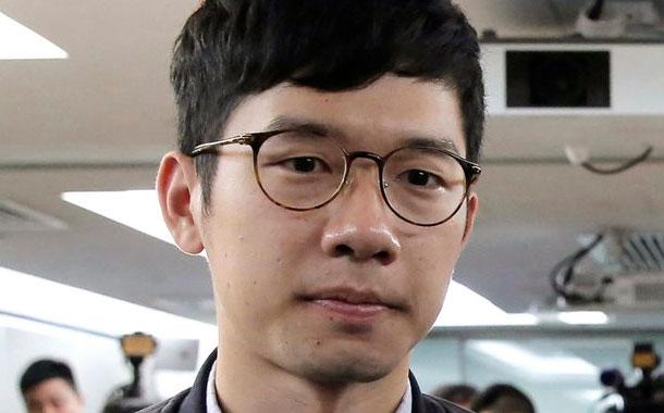 Activista de Hong Kong se marcha tras la nueva ley