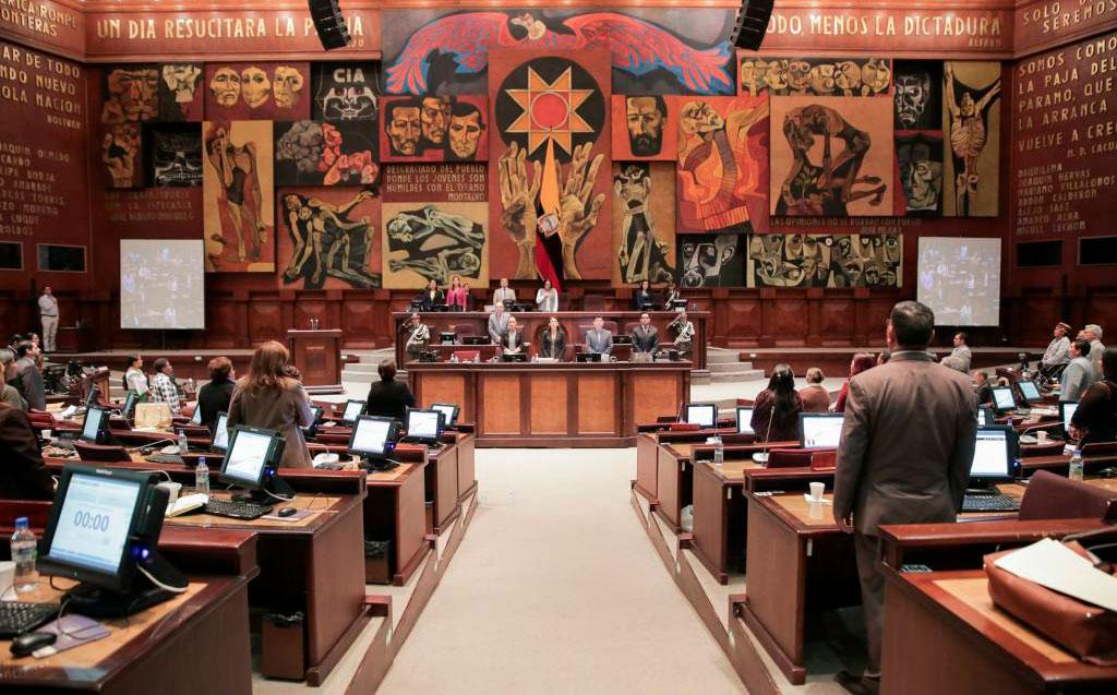 Asamblea no descarta destitución por mal uso de carnés de discapacidad