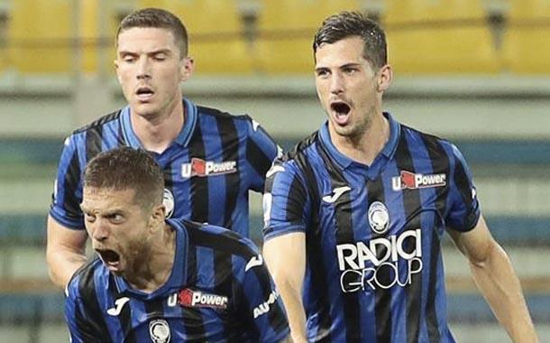 Atalanta remonta ante Parma y sigue de cerca el segundo lugar