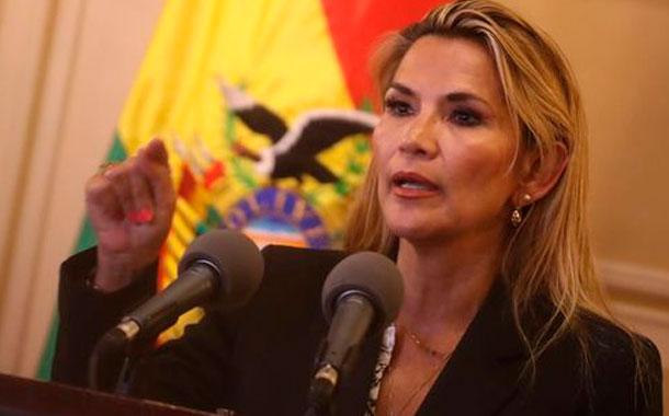 La presidenta interina de Bolivia recibe el alta tras superar la COVID-19