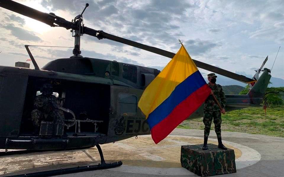 Un helicóptero del Ejército colombiano desaparece con 6 tripulantes a bordo