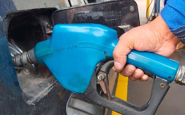 La gasolina extra y ecopaís se mantienen en USD 1,75 y diésel sube a USD 1,039
