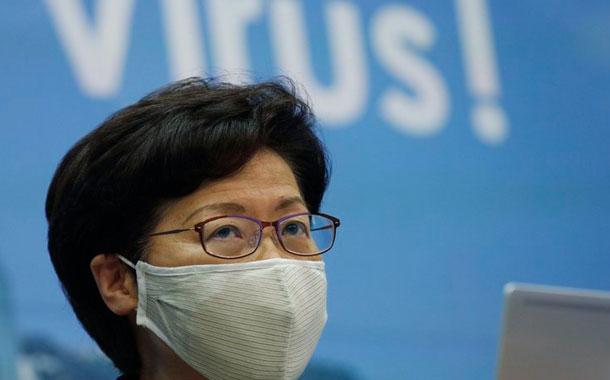 Hong Kong demora comicios un año por el coronavirus