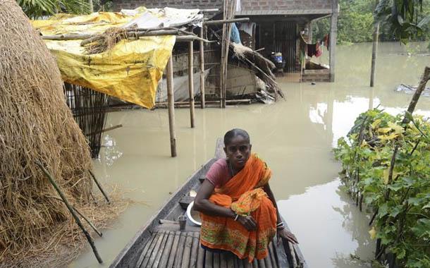Inundaciones dejan 60 muertos y millones de afectados