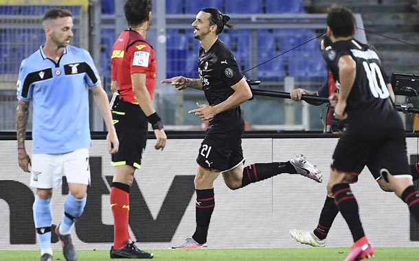 Lazio perdió ante Milan y deja escapar a Juventus