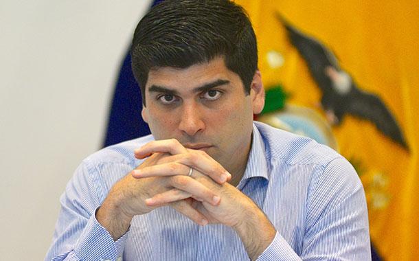 ¿Por qué renunció Otto Sonnenholzner a la Vicepresidencia de Ecuador?