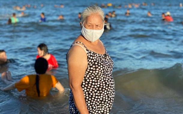 El repunte del virus complica el turismo