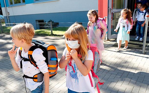 Alemania inicia el regreso gradual a las escuelas