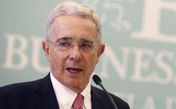 Corte Suprema colombiana ordena detención de expresidente Álvaro Uribe