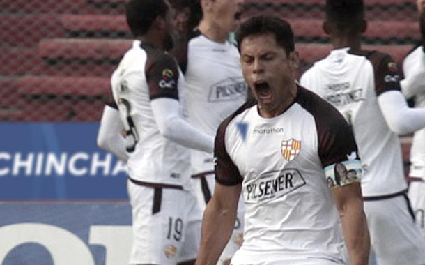 Barcelona goleó a Deportivo Cuenca por la fecha 6