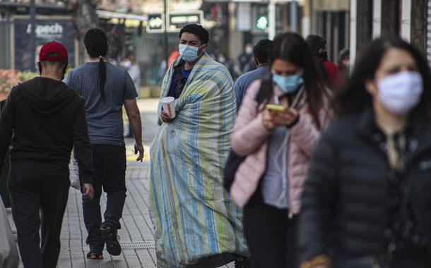 Chile mantiene la disminución de contagios de COVID-19