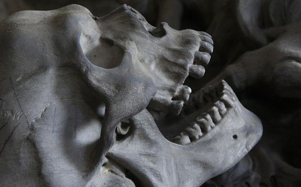 Halla un esqueleto en el cuarto de su hermano desaparecido en 2015