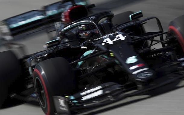 Lewis Hamilton lidera los ensayos en el Gran Premio de España