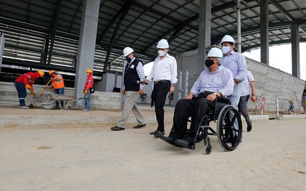 Presidente Moreno recorrió los trabajos de rehabilitación del aeropuerto de Manta