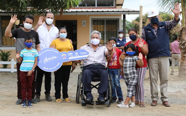 "Familias de Monte Sinaí reciben viviendas del programa ""Casa para todos"""