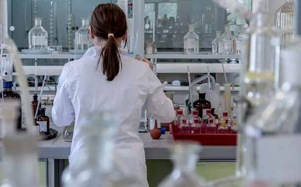 Aprueban tratamiento antitumoral para determinados pacientes