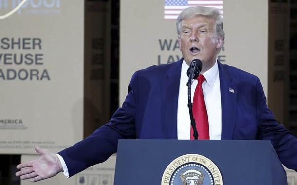 Trump firma órdenes ejecutivas contra TikTok y WeChat
