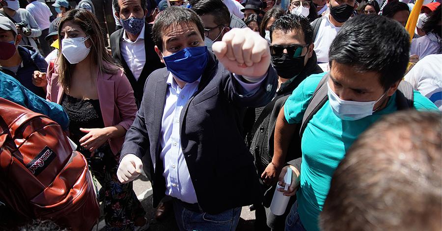 Andrés Arauz aceptó la candidatura a la presidencia ante el CNE