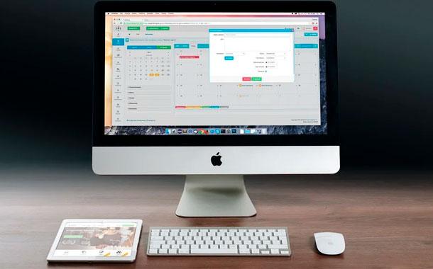Apple, primera empresa de EE.UU. que cotiza en bolsa por 2.000 millones de dólares
