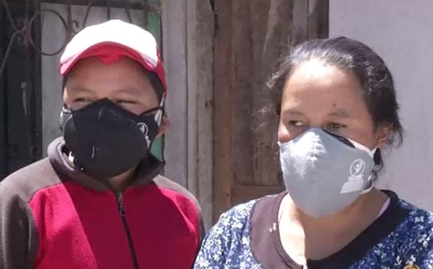 Mujer no vidente pide ayuda tras el fallecimiento de su esposo