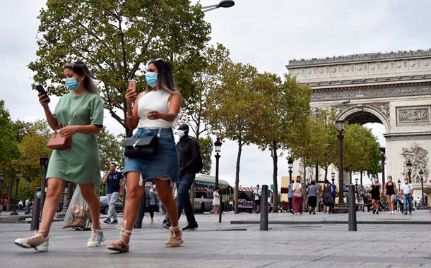 Francia supera por segundo día consecutivo los 3 000 contagios